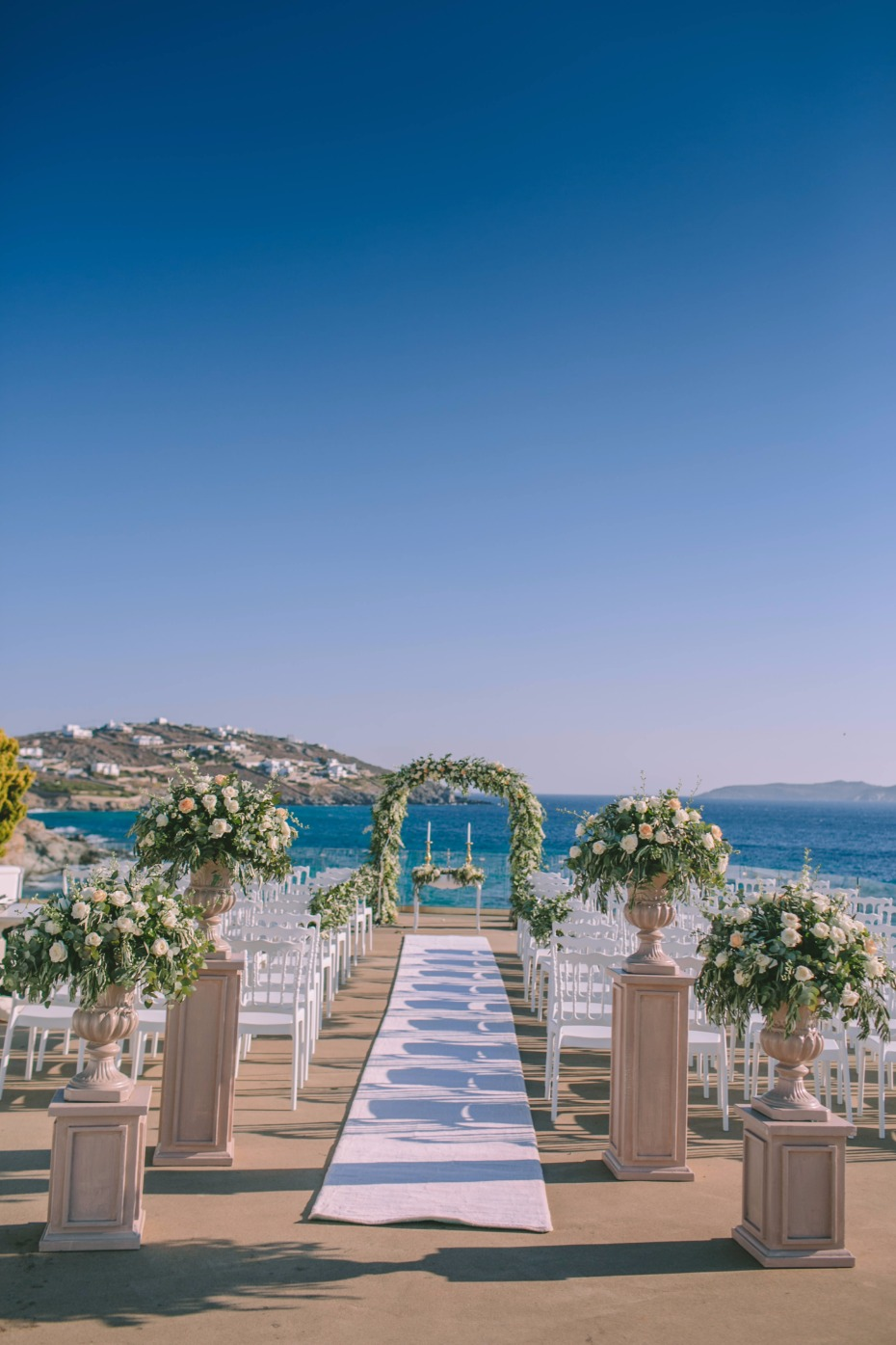 sophisticated wedding ceremony in Greece