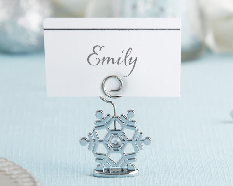 Make your winter party décor pop with hints of sparkling gems and shimmery silver. Whether you're using these Sparkling Snowflake