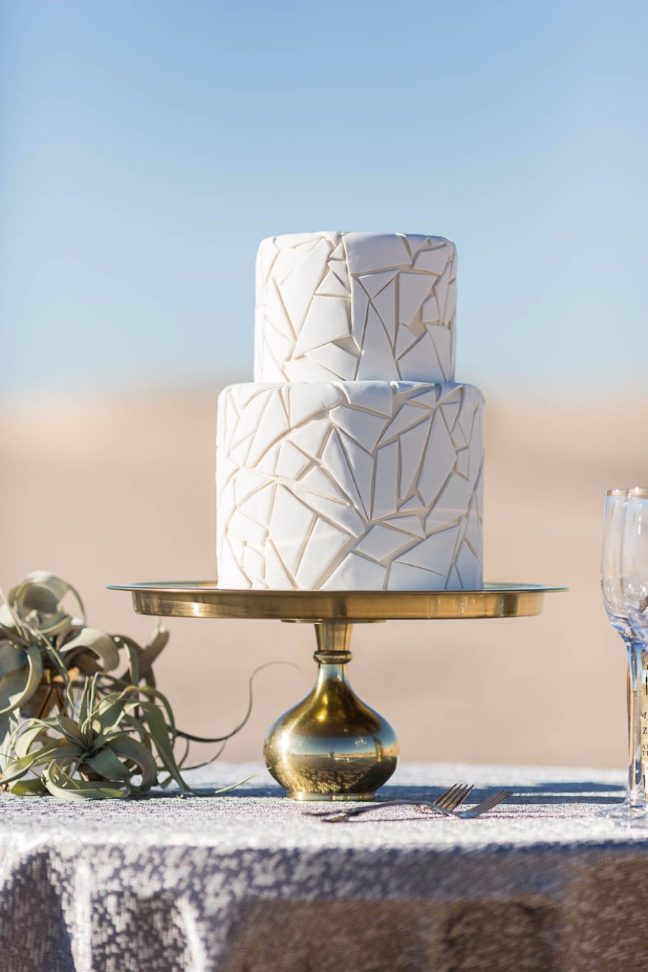 crackle wedding cake in all white