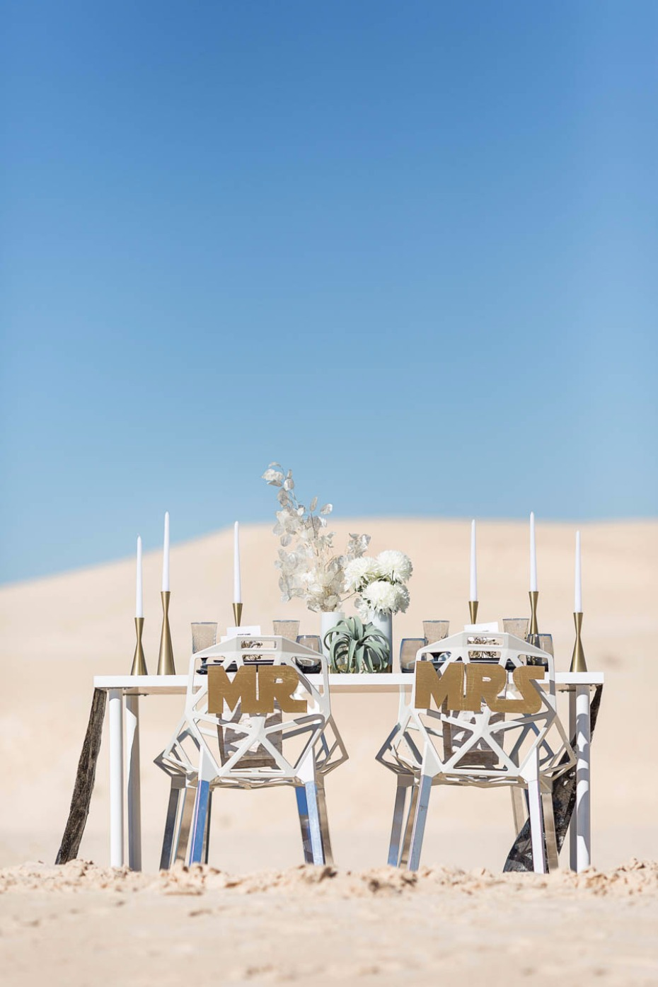 We aren't in Kansas anymore! Love this Star Wars wedding table