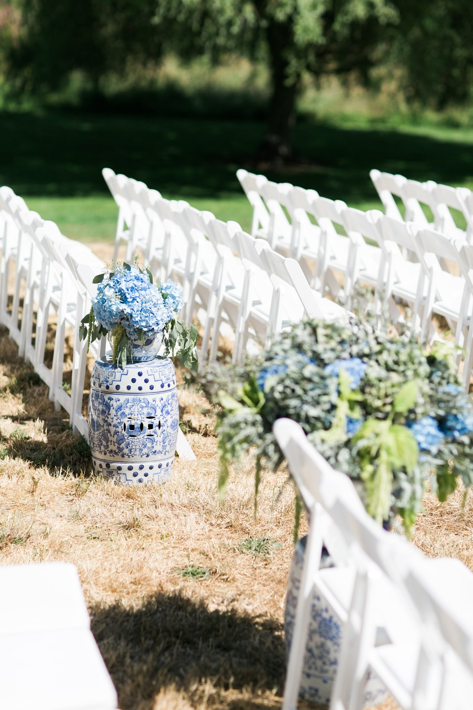 white and blue ceremony