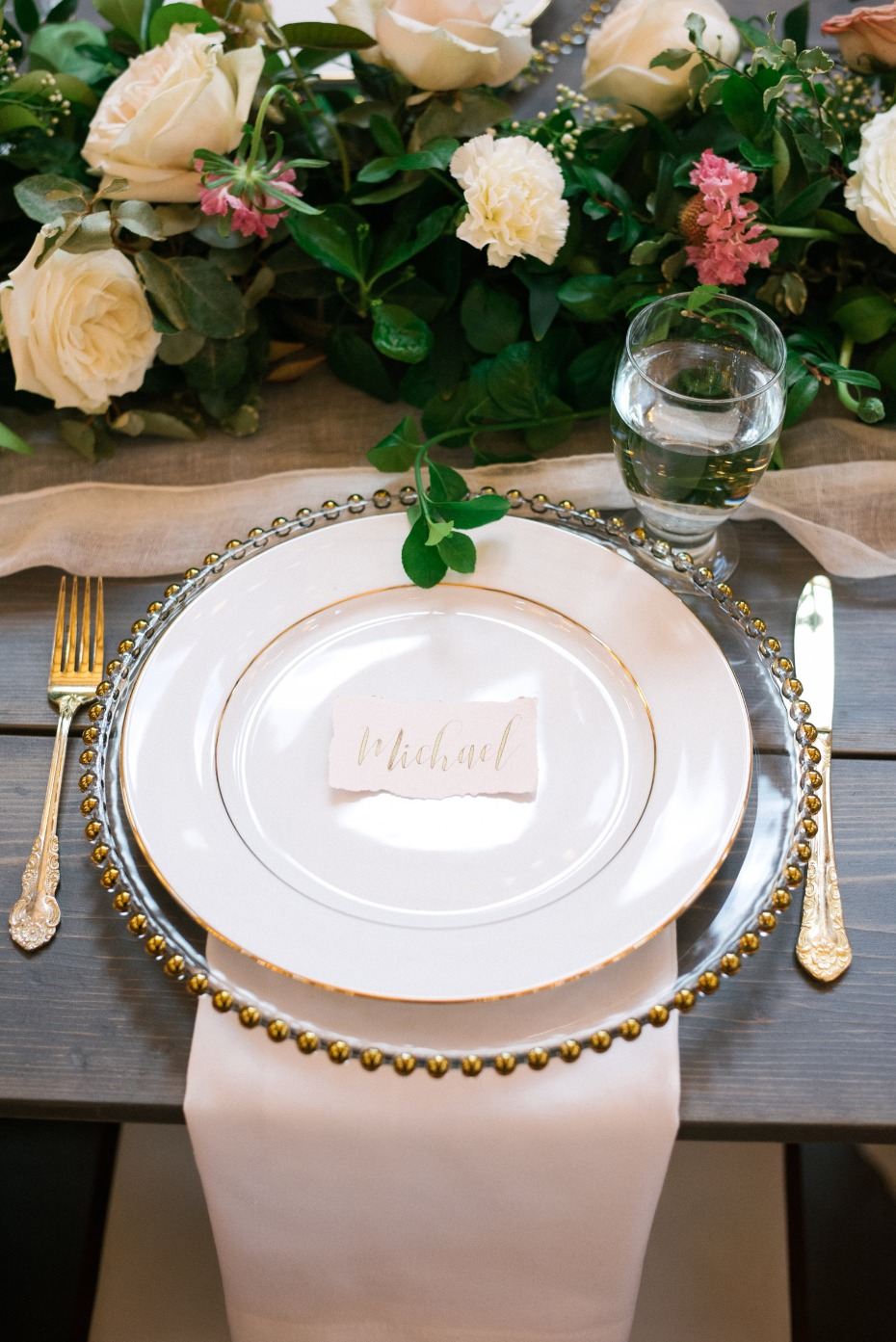 classic blush and gold wedding table setting