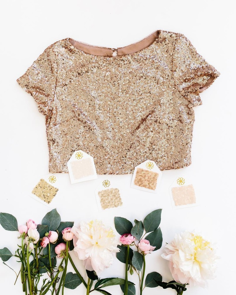 Your new favorite bridesmaid-turned-holiday-turned-anytime top!💕