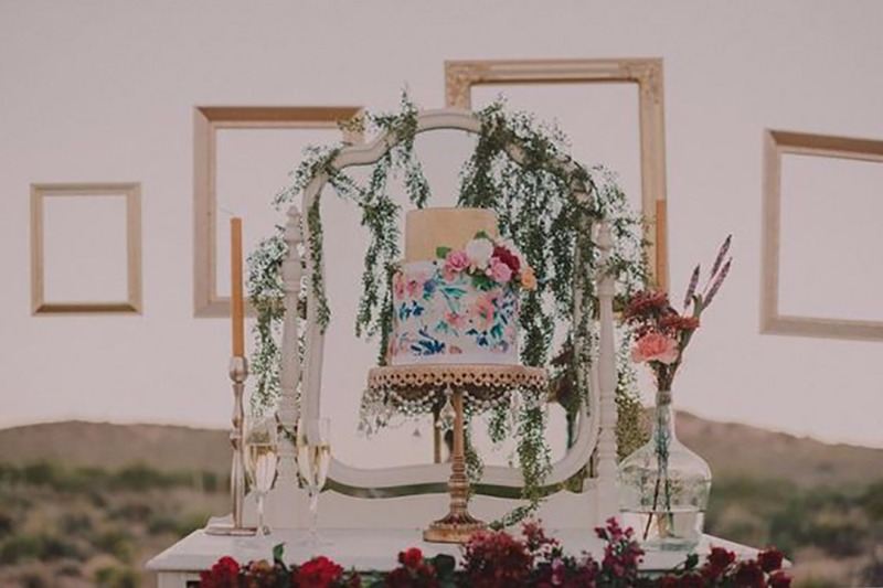 A dazzling cake stand will ensure your cake cutting ceremony is Instagram worthy and Opulent Treasures has cake stands that will take