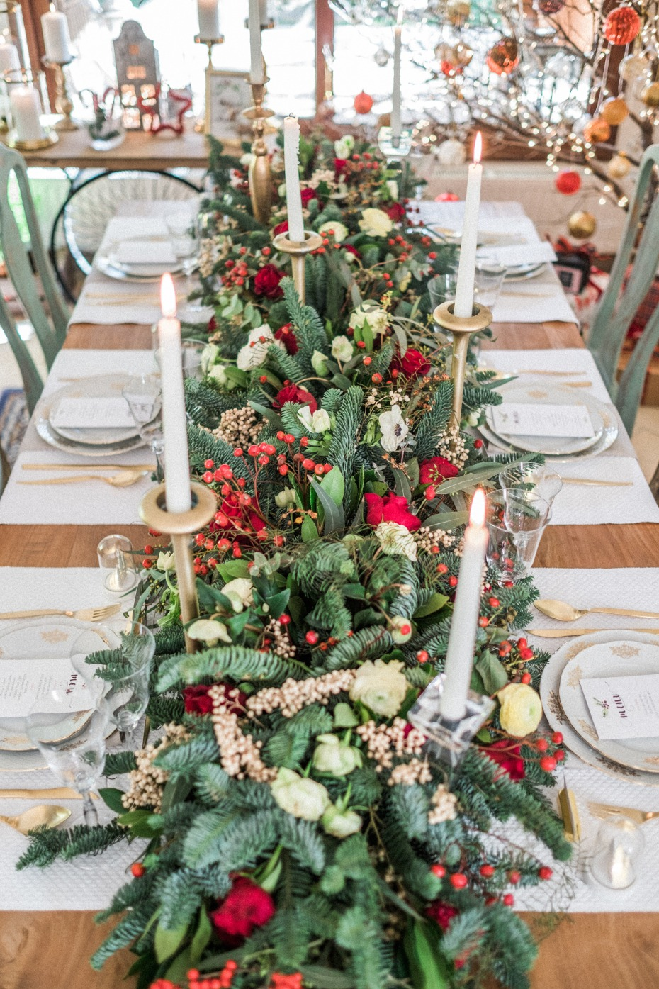 Stunning Christmas centerpiece with candles