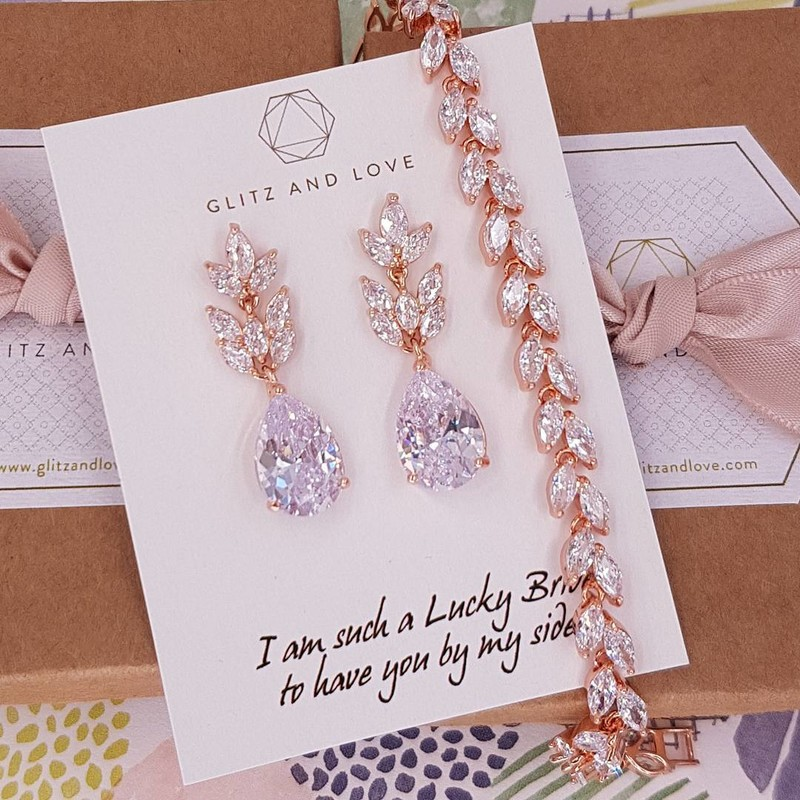 Rose gold marquise cut cubic zirconia jewelry set. Simple and timeless. Available in rose gold and silver. Shop link in bio.