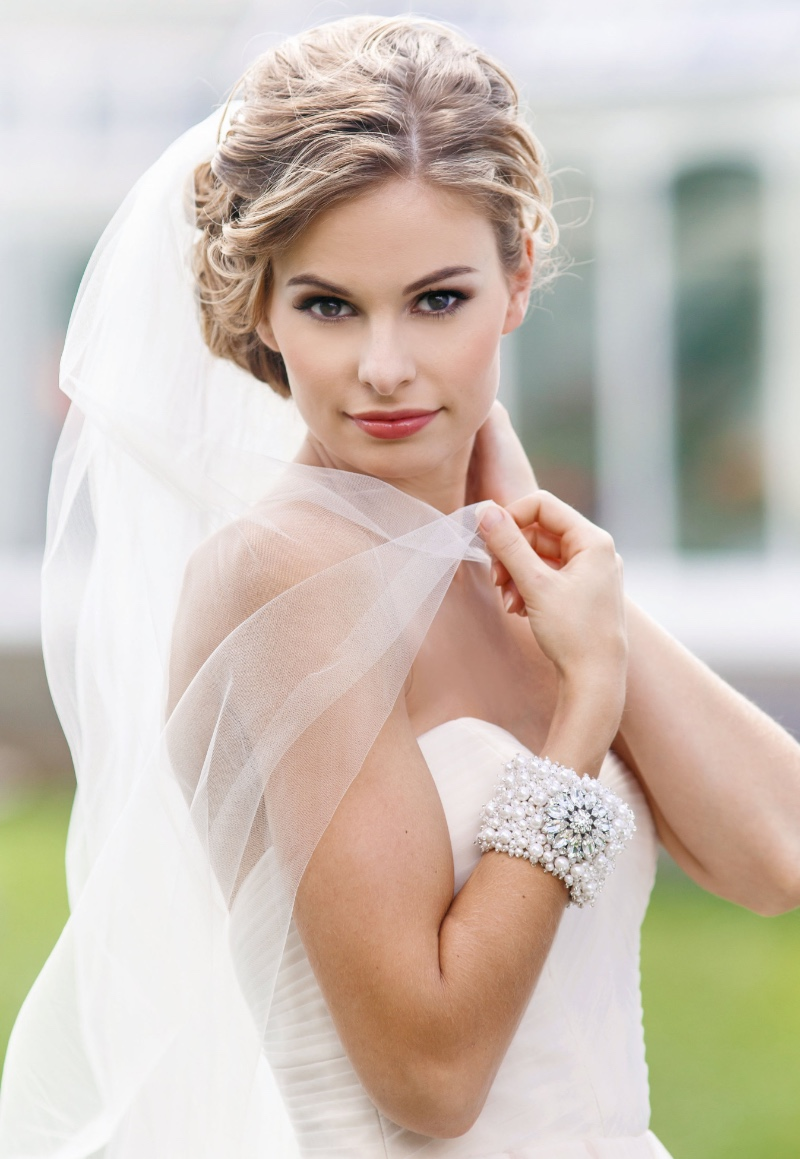 Make a statement with your bridal jewelry.