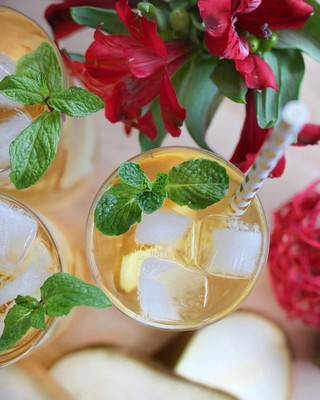 10 Holiday Cocktails You Need to Make This Weekend