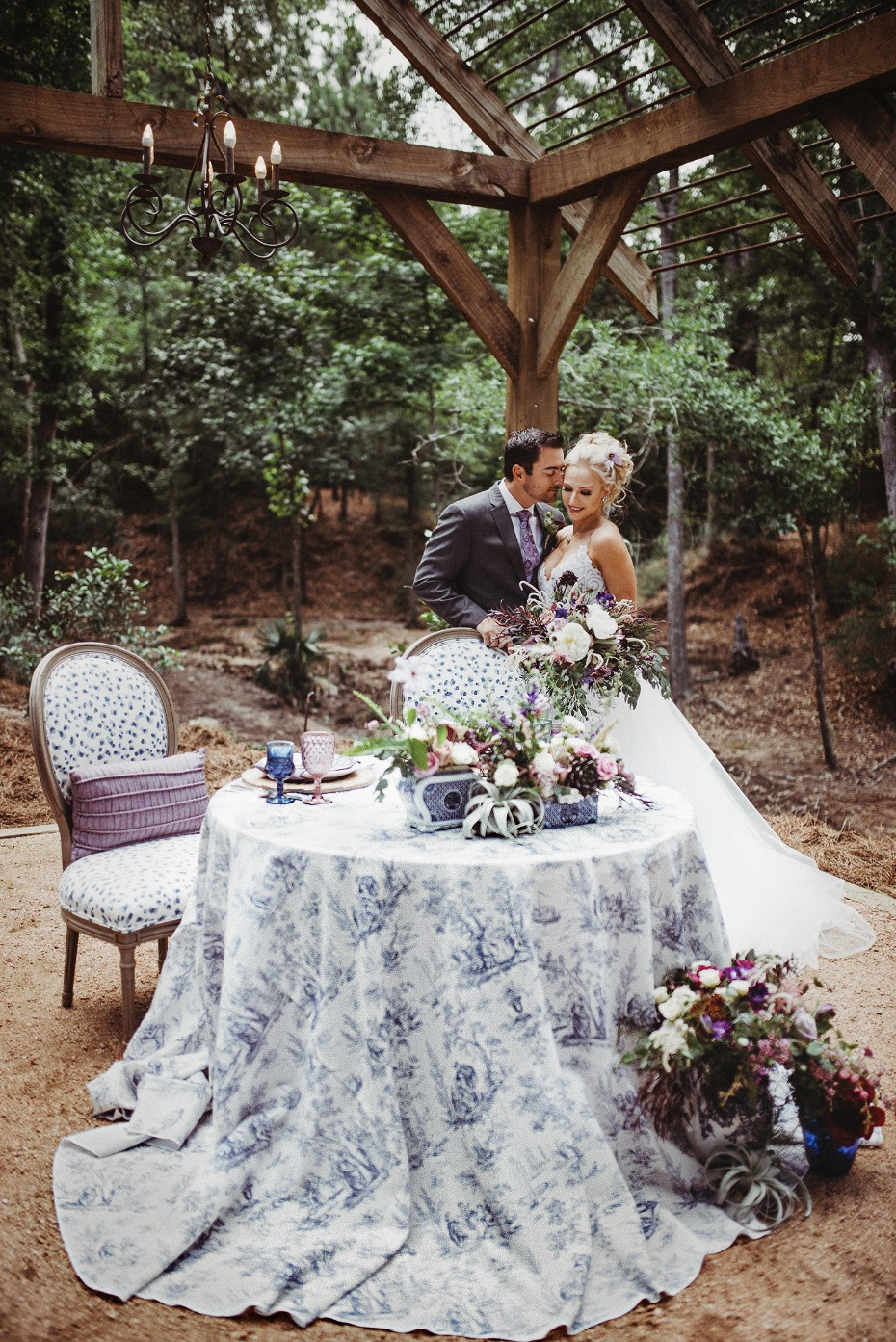 Gorgeous sweetheart table
