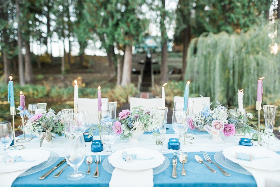 Pink and blue reception table