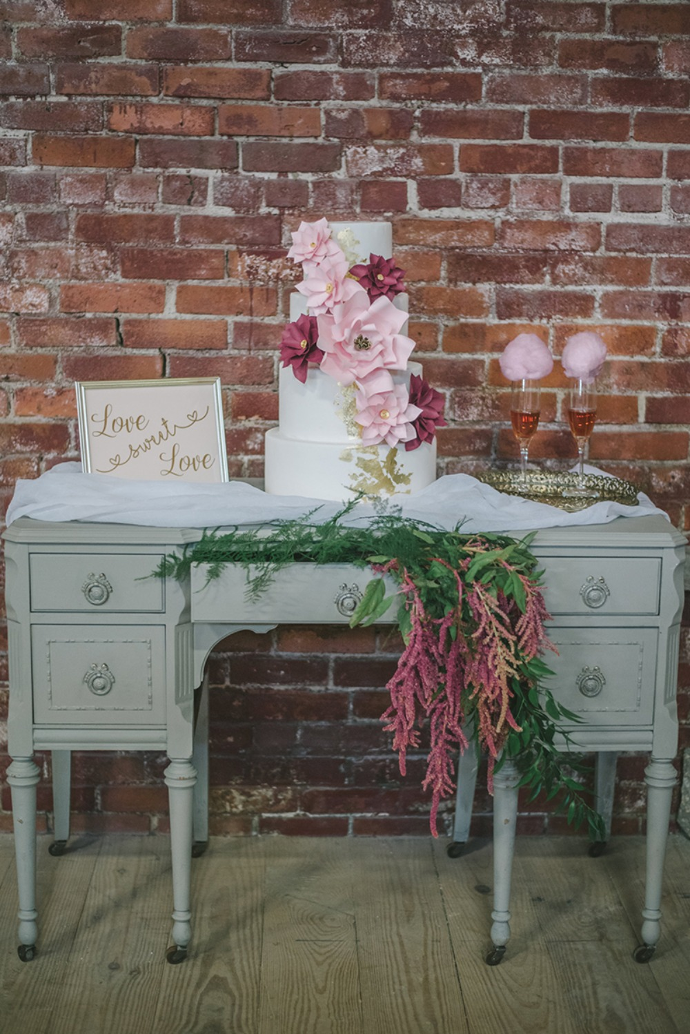 sweet and simple wedding cake table idea