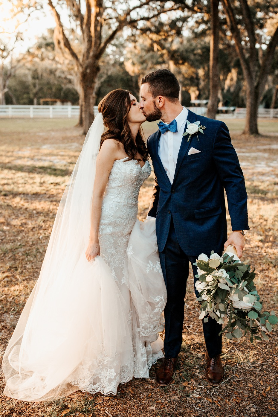 Whimsical outdoor wedding in Florida ya'll