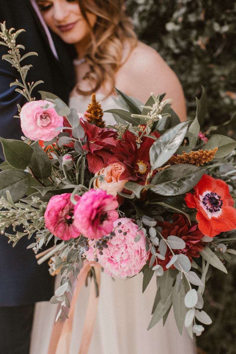 Navy, burgundy wedding floral was quite a winner this holiday season.