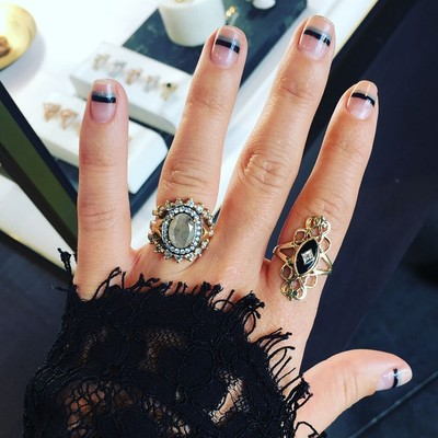 18 Killer Manicures to Kiss 2017 Goodbye and Say Hello to 2018