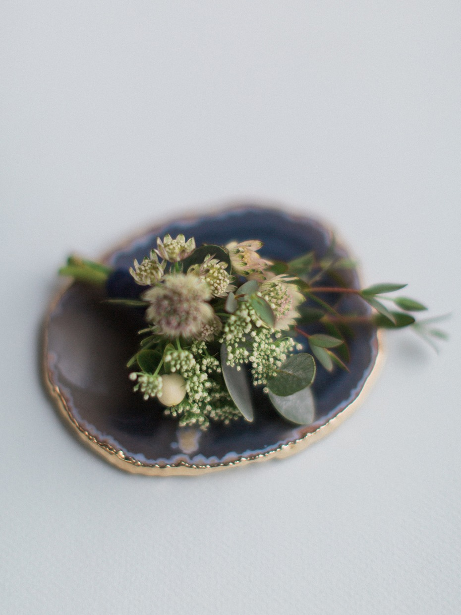 garden style greenery boutonniere