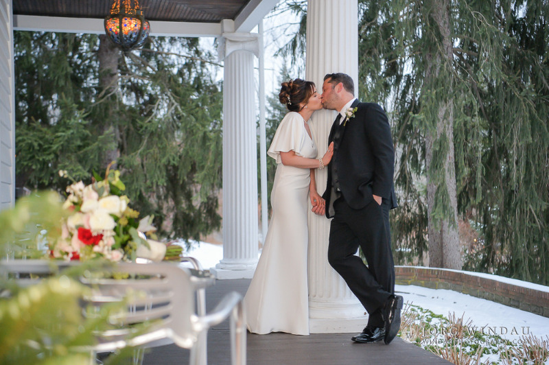Romantic winter wedding at FEAST at Round Hill, Hudson Valley wedding venue. Photo by Windau Photography.