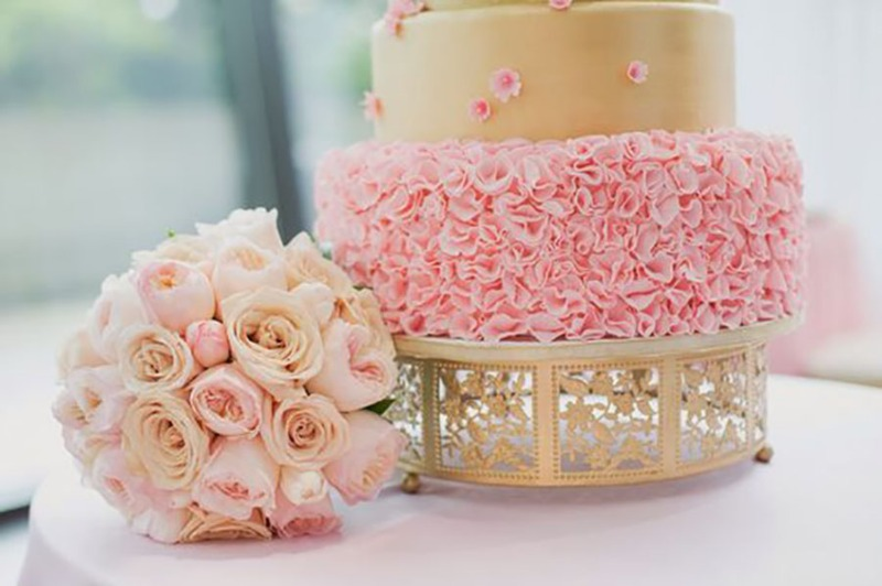 Pretty wedding palette inspiration: blush & gold!! Delicate floral scroll details on this Opulent Treasures gold metal cake stand