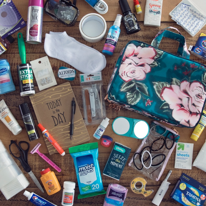 The Best DIY Wedding Day Survival Kit! It is FLAWLESS! Photographing weddings for over 12 years I have seen many mishaps and I know