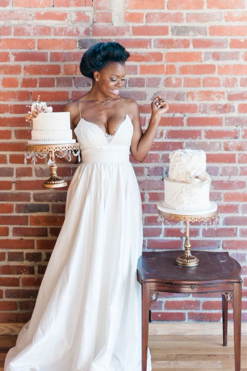 Gorgeous Vintage Wedding Style! Bride Photo Inspiration... don't forget to pictures with your cakes! Discover Opulent Treasures unique