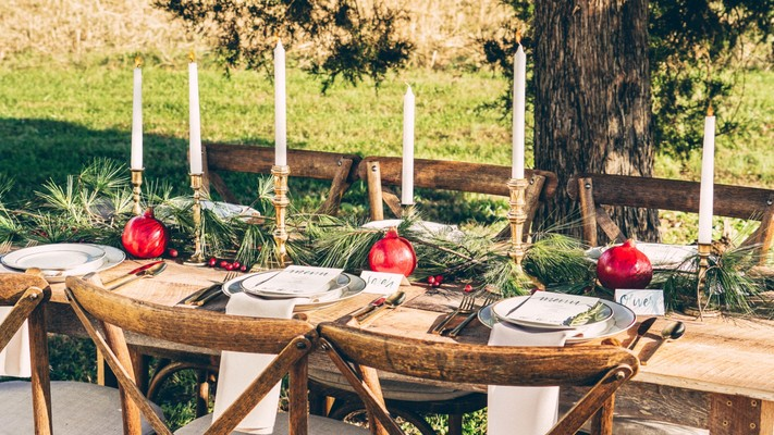 How To Plan A Cozy Christmas Wedding Any Month Of The Year