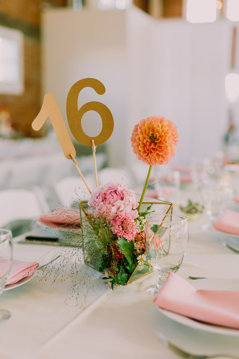 Asymmetrical centerpiece