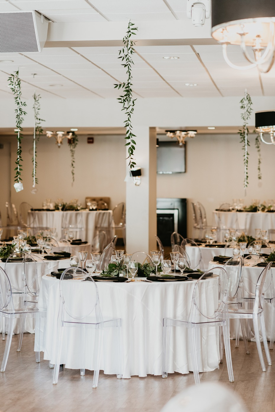 Green and white modern reception