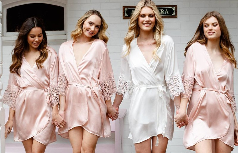 Bridal robes make the perfect accessory for your big day! 💗 LR xx