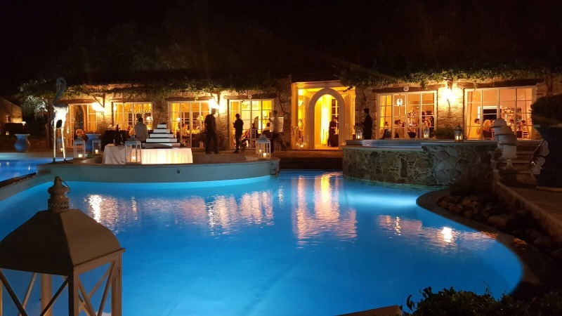 Valle di Badia offers a magical venue to tie the knot in. Dance next to the stunning pool in the heart of the hamlet, by the glow of