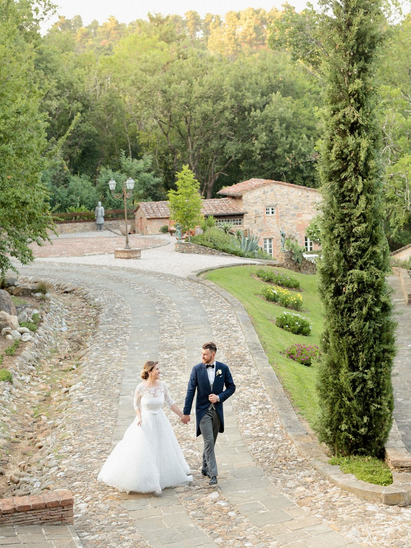 Valle di Badia offers a magical venue to tie the knot in. A beautiful and ancient hamlet, located within the Tuscan hills. Simply perfect