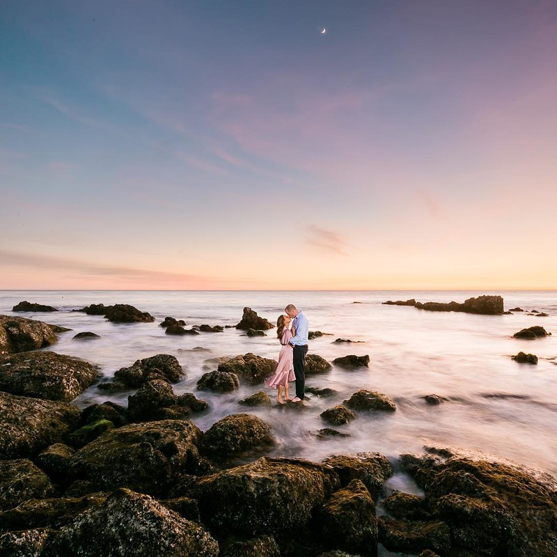 All the heart eye! This sunset, this, this dress...sometimes the stars just align. Tag a friend who would love this shot!