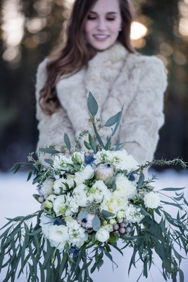 A Wintry New Years Eve Wedding Under the Stars