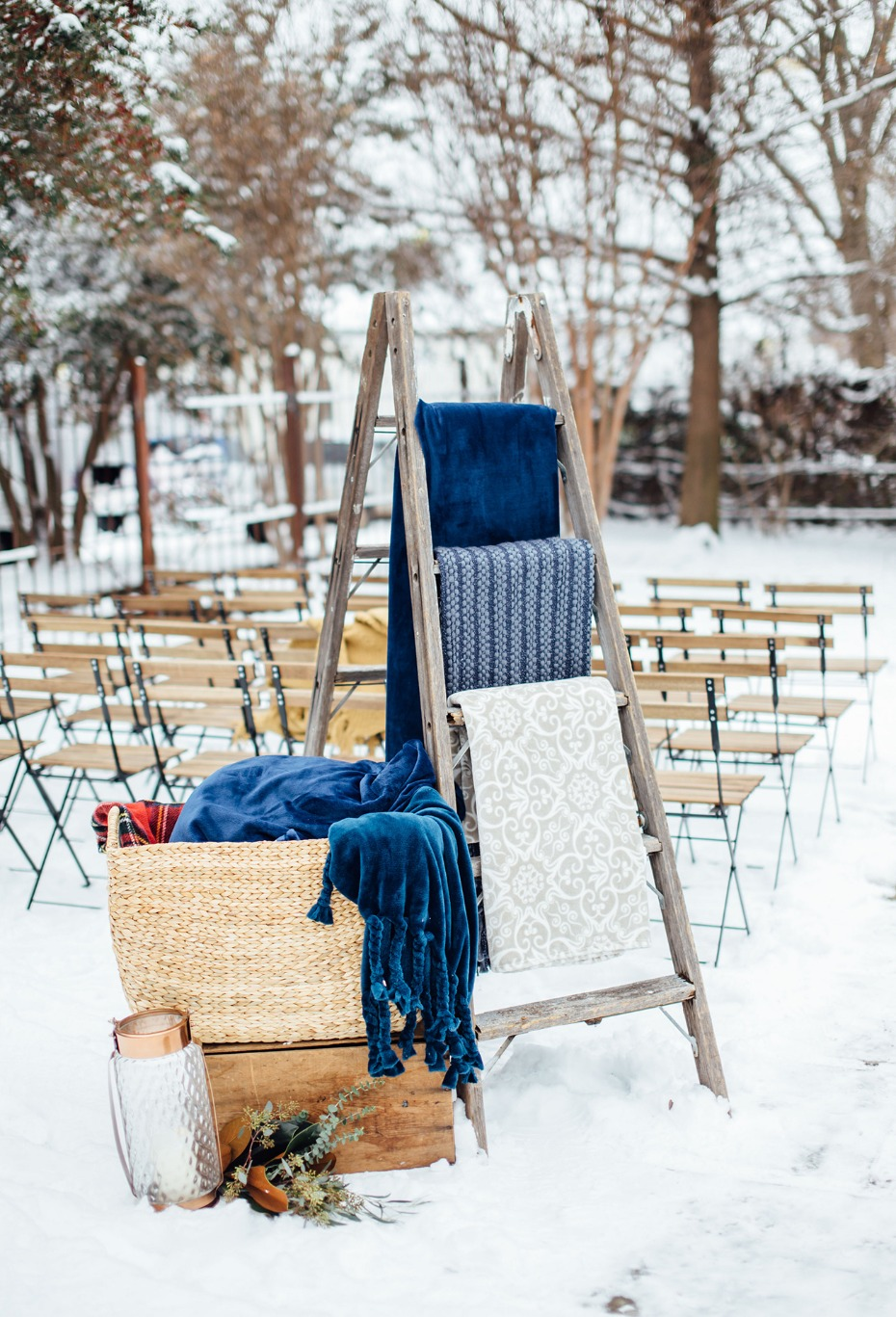 A winter wedding needs BLANKETS