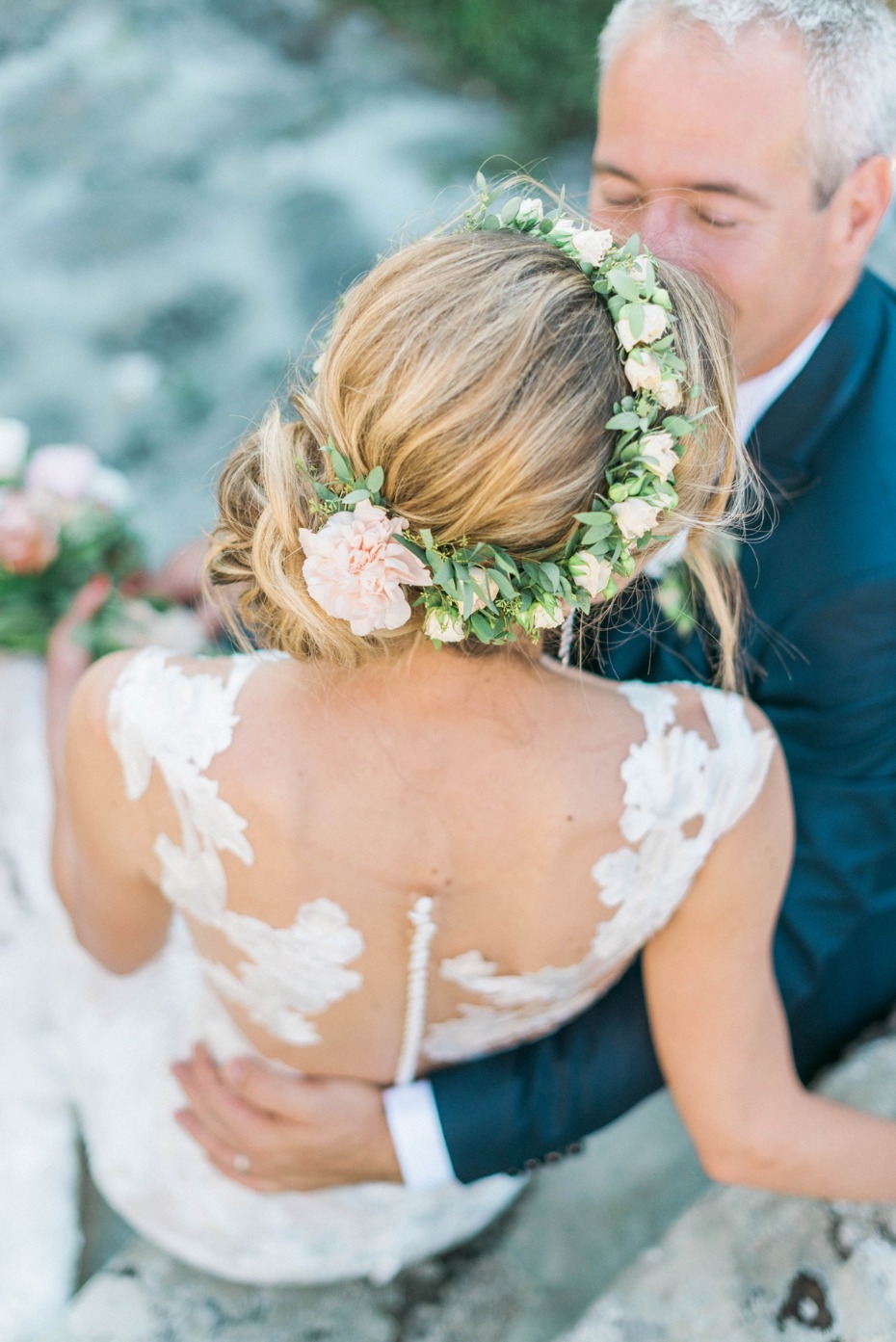 Bridal hair idea with flowers