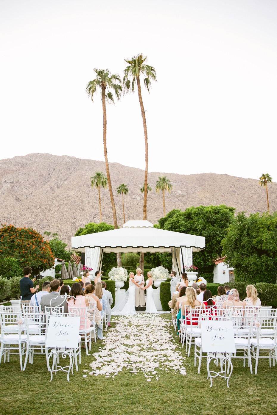 Beautiful Palm Springs ceremony