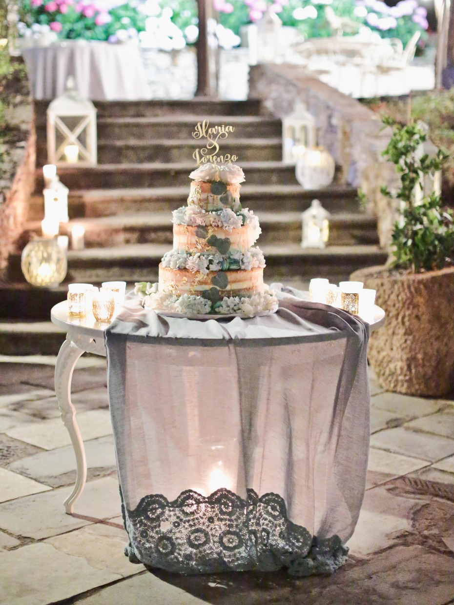 Dreamy cake table