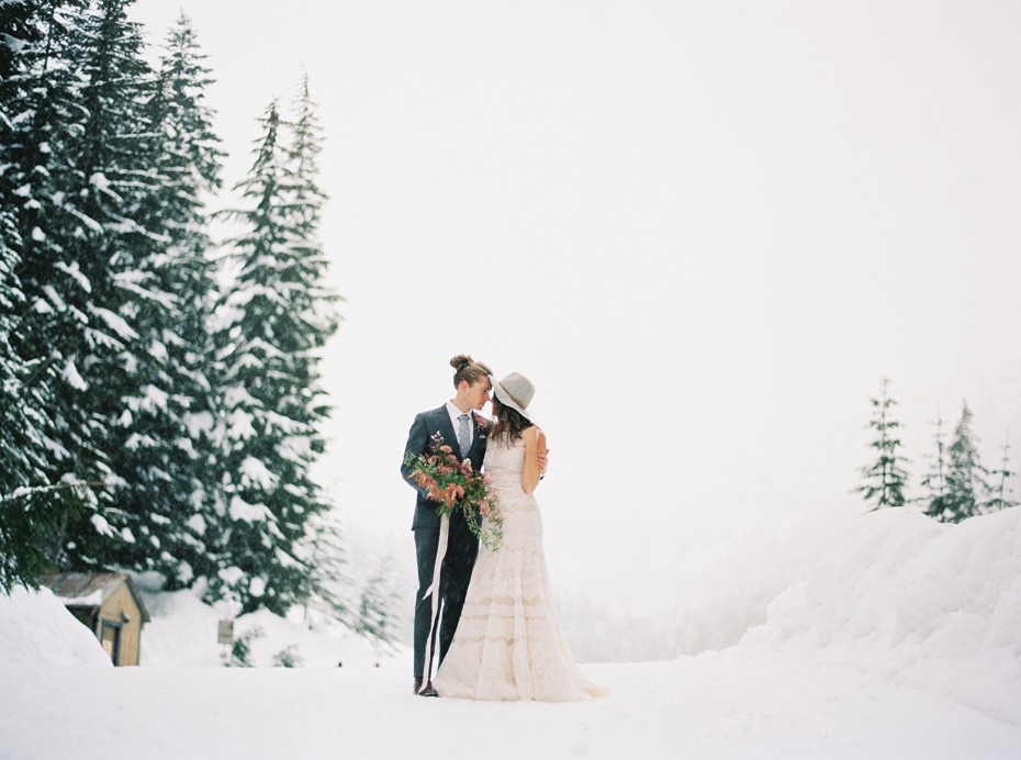 how to have an alternative boho winter wedding