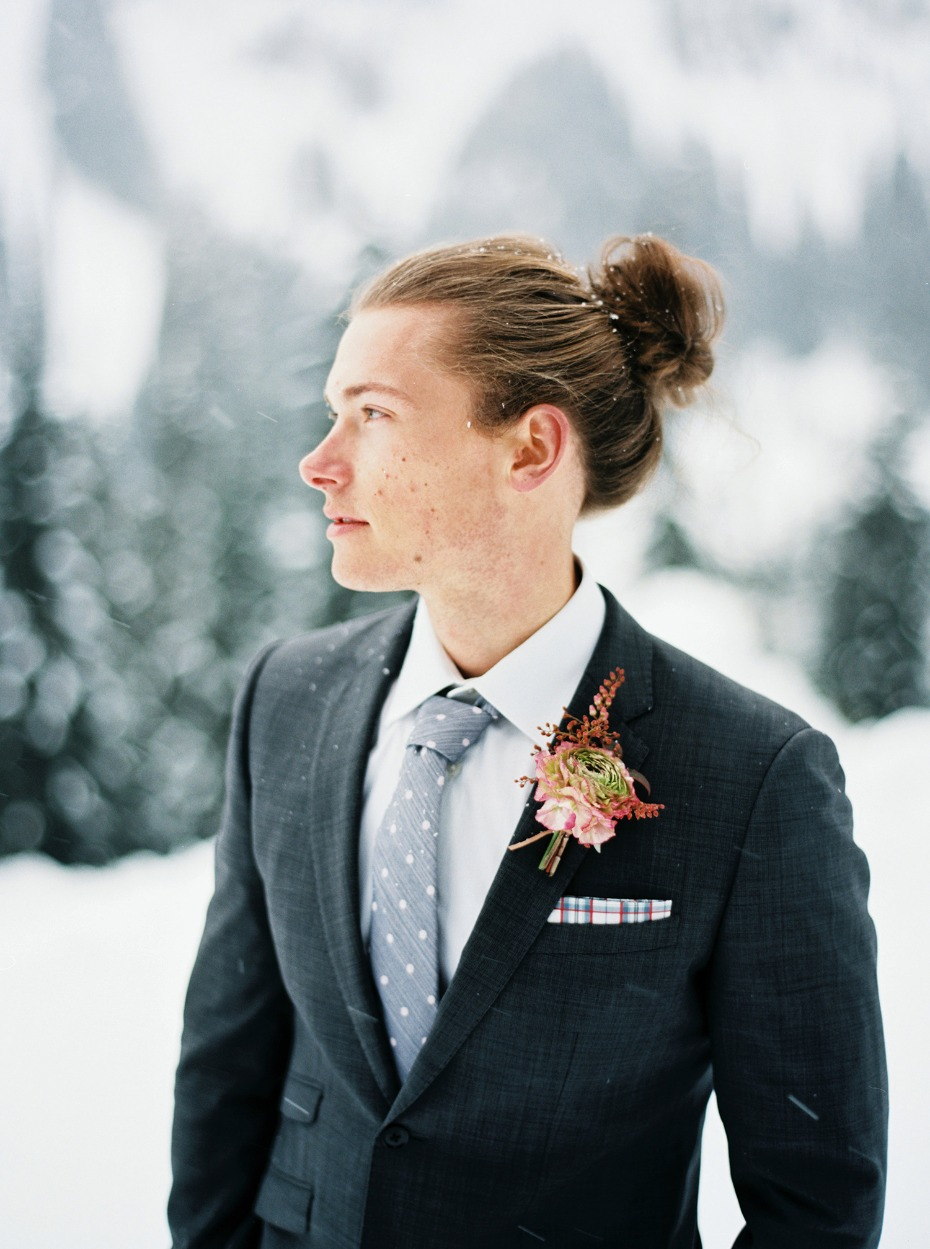 groom style for your winter wedding