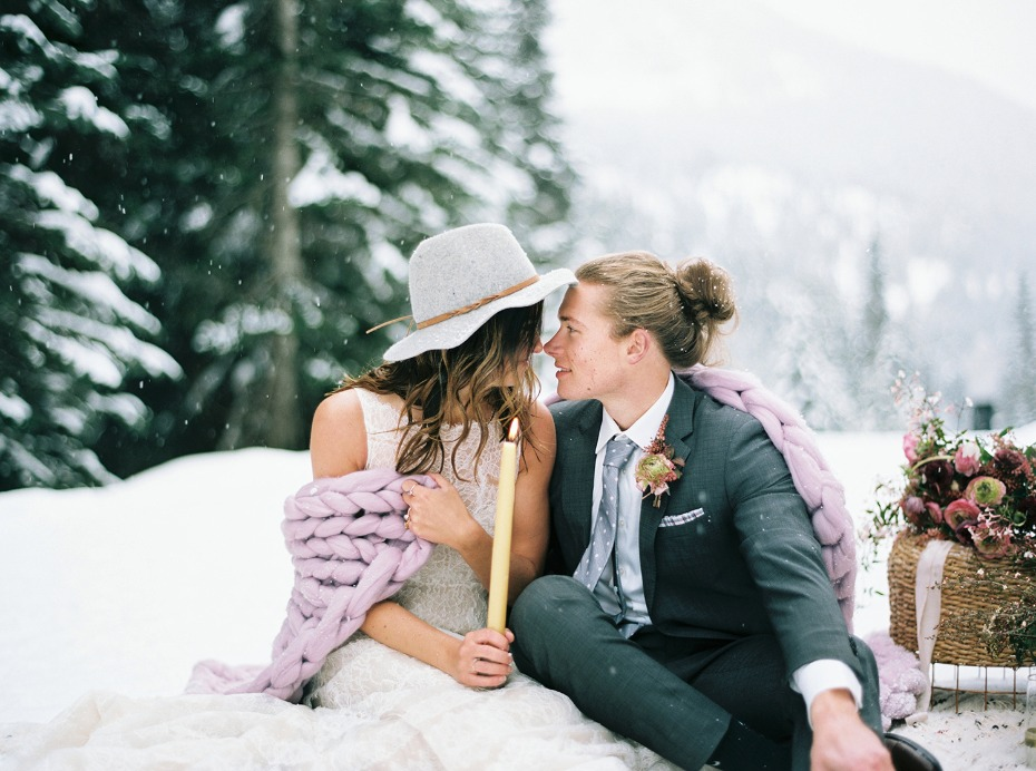 sweet and cozy bride and groom photo idea