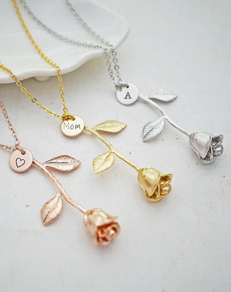 Sweet Rose Necklaces for Bridesmaid gifts, a gift for Mom and gift for Mother-in-Law. Suitable for Valentine's Day gift too.