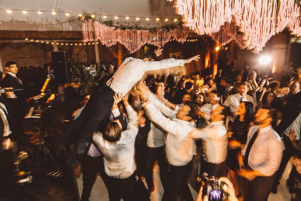 How To Have A Raging Wedding That Is Classy