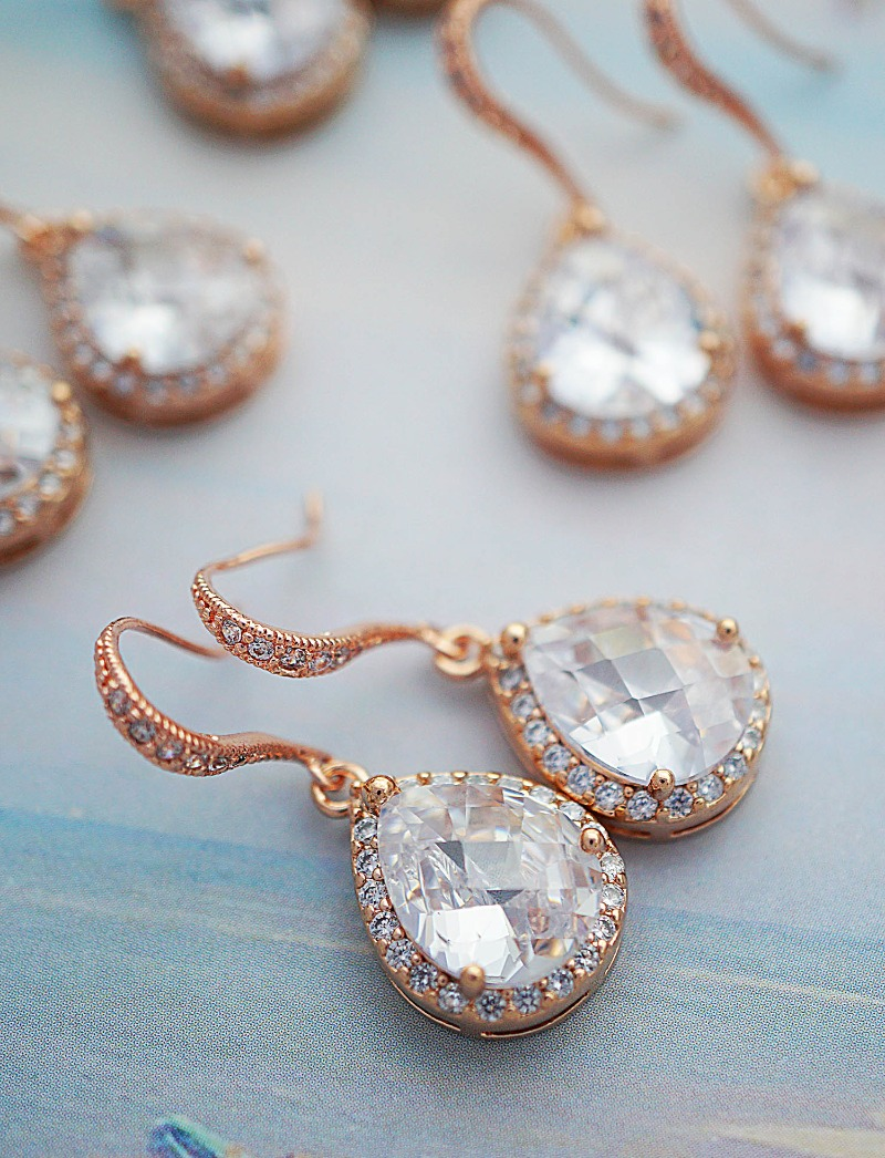 Luxurious Rose gold Elegant Cubic Zirconia Bridal Earrings.