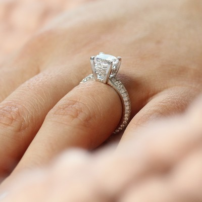 7 Perfectly Romantic Engagement & Gift Ideas For Valentine's Day