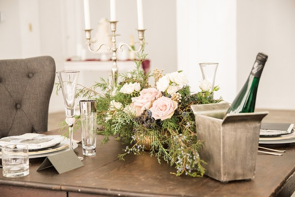 Warm Back Up To Winter With This Dreamy Wedding Inspiration