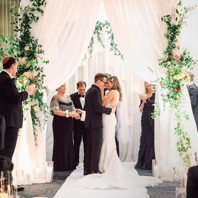 10 Accounts to Follow if You're Planning a Wedding RN!