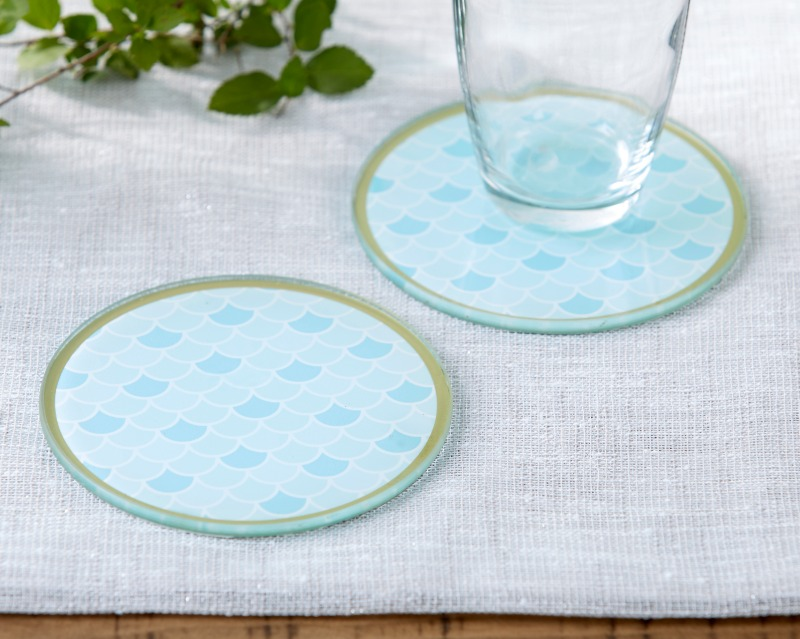 Escape the ordinary with our Seaside Escape Glass Coaster. Whether you're celebrating a seaside bridal shower or a beach themed wedding