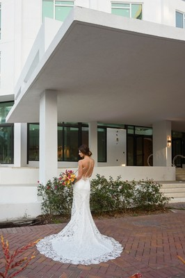 Have a Unique Modern Wedding at the Art Ovation Hotel in Florida