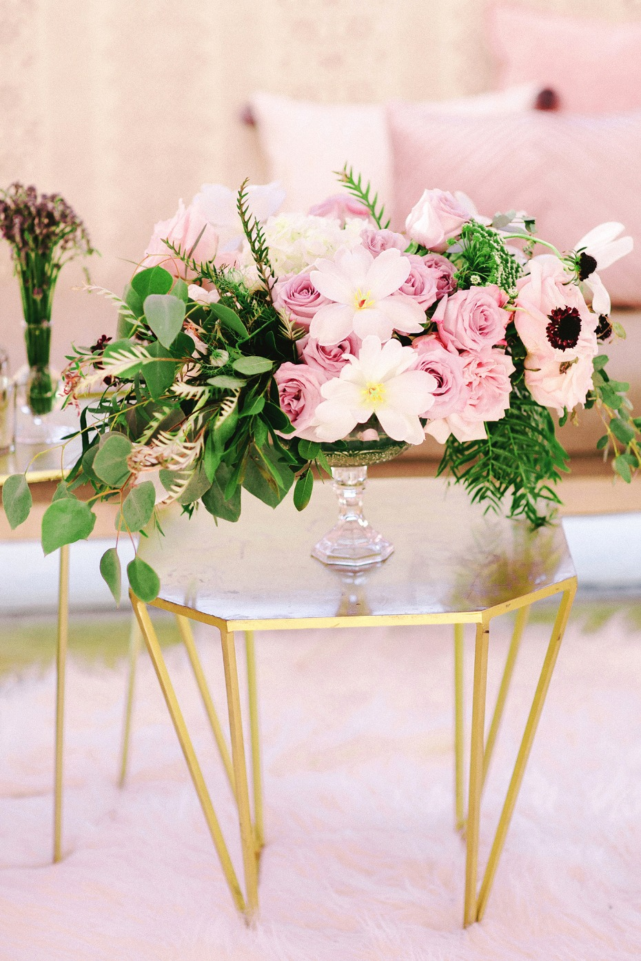 gold and pink bridesmaid lounge