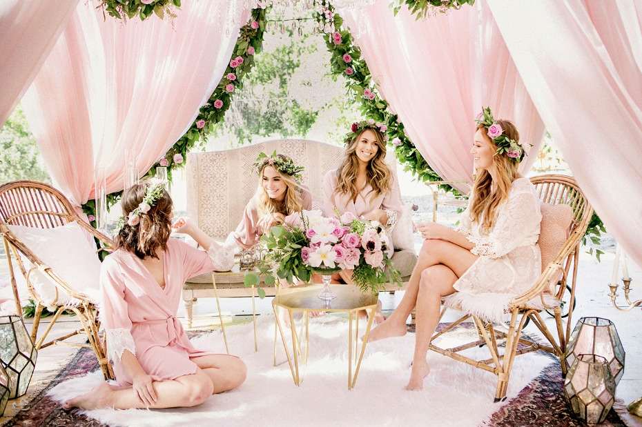 boho style bridesmaid lounge