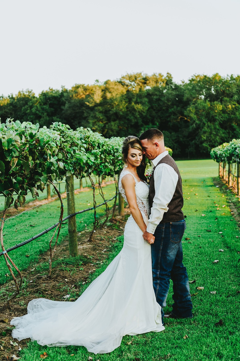 Charming rustic vineyard wedding in Texas
