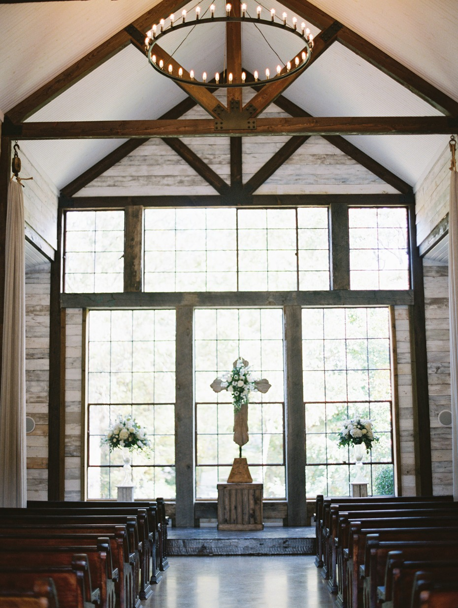 breathtaking rustic wedding chapel